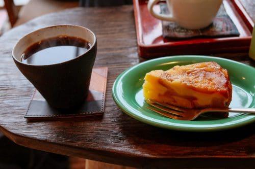 Coffee and dessert at Mametake in Oita.