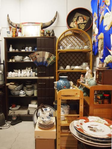 Room to stock the tableware