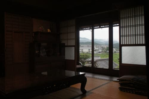 Tomaryanse's dining room: a traditional room overlooking Asuka village
