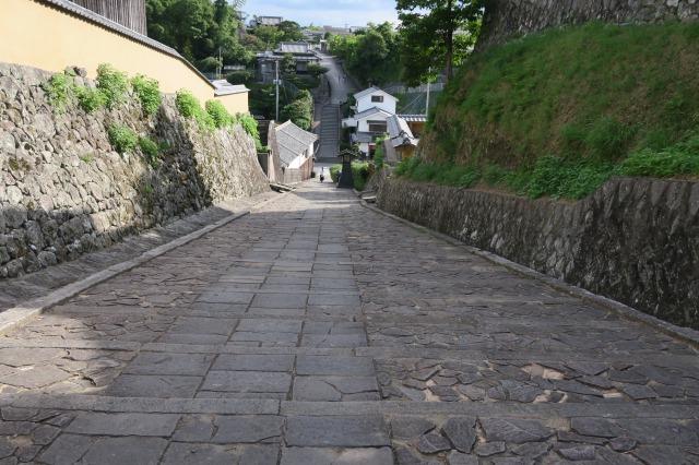 Der obere Bereich des Hanges wurde benutzt, als die Samurai sich auf den Kampf vorbereiteten, Kitsuki, Oita, Japan