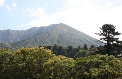 Eine Fahrradtour vom Berg Daisen zum Japanischen Meer, Präfektur Tottori, Japan.