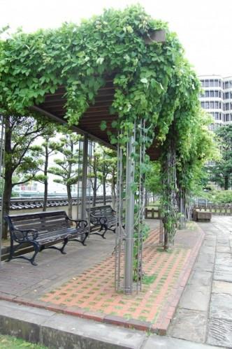 Jardines y áreas de descanso de Dejima, isla de Nagasaki.