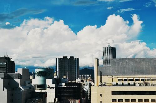 Tienda Tokyu Hands vista desde la última planta del centro comercial PARCO, en Hiroshima