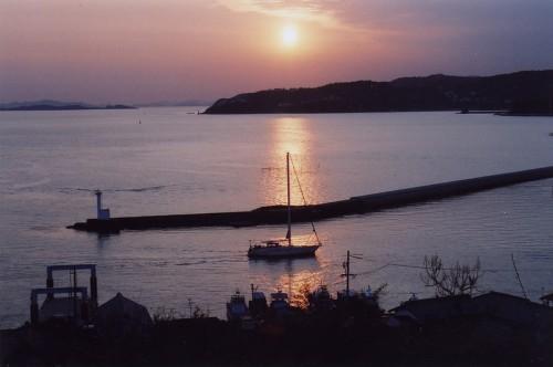 Puerto en Shiomachi Karakoto al atardecer (Setouchi, Okayama).
