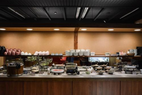 Desayuno en el ryokan Sanyokan Hina-no-Sato