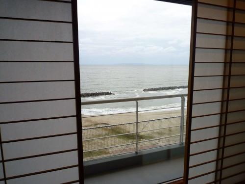Vistas del océano desde el ryokan Taikanso Senami no yu.