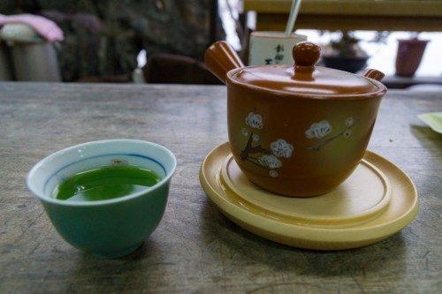 Taza de té en Rokuro Zaiku no Yamaichi.