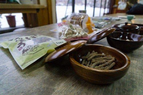 Cuencos de madera en Rokuro Zaiku no Yamaichi.