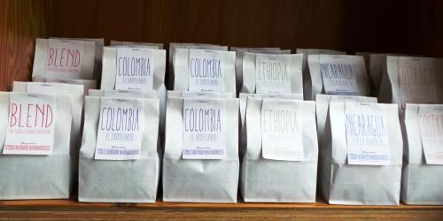 Une large sélection de cafés de partout dans le monde au Goog Goodies à Kamakura