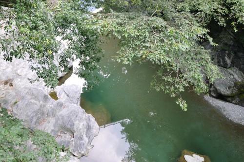 La rivière Iya vue du Kazurabashi, le pont de liane de shikoku