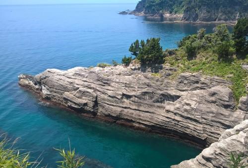 Eaux turquoises de la baie de Dôgashima sur la péninsule Izu.