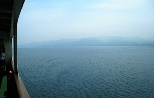 Le ferry pour se rendre sur l'île de Sado ou Sadogashima, Japon.