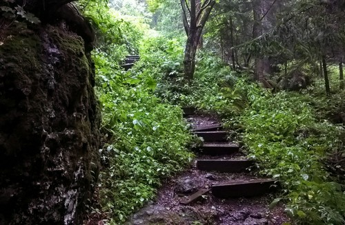Randonnées à partir du village onsen de Sounkyo, Hokkaido, Japon.