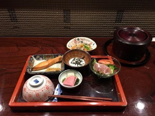 Le petit-déjeuner salé typique japonais, Murakami, Japon.