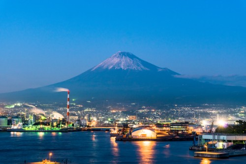 Yoshiwara is a district of Fuji city, located in the east of Shizuoka prefecture, and known as the most industrial side of the Fuji