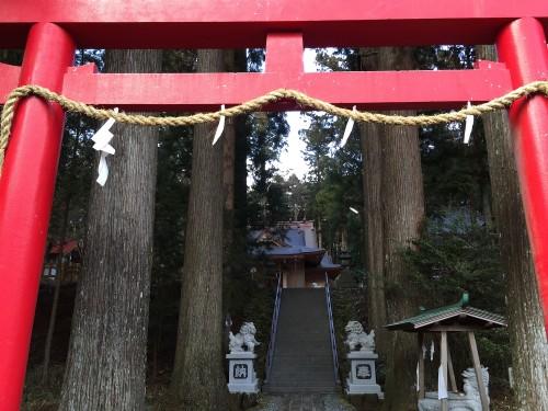 A red torii to Suyama Sengen Shrine in Shizuoka prefecture, Japan