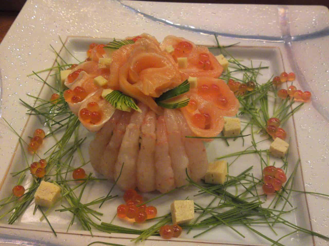Une autre création du restaurant Sushi Ko dans la Ville de Shizuoka: Millefeuille de sushi!