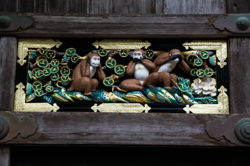 les trois singes au sanctuaire Toshogu à Nikko