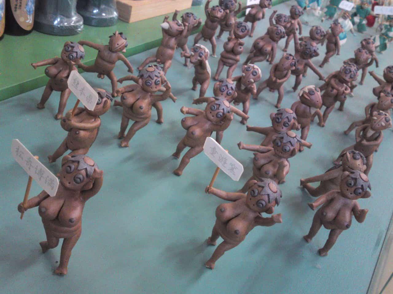 Collection de Kappa au Musée de Kappa de Tach-chan's dans la Ville de Yaizu avec des femmes