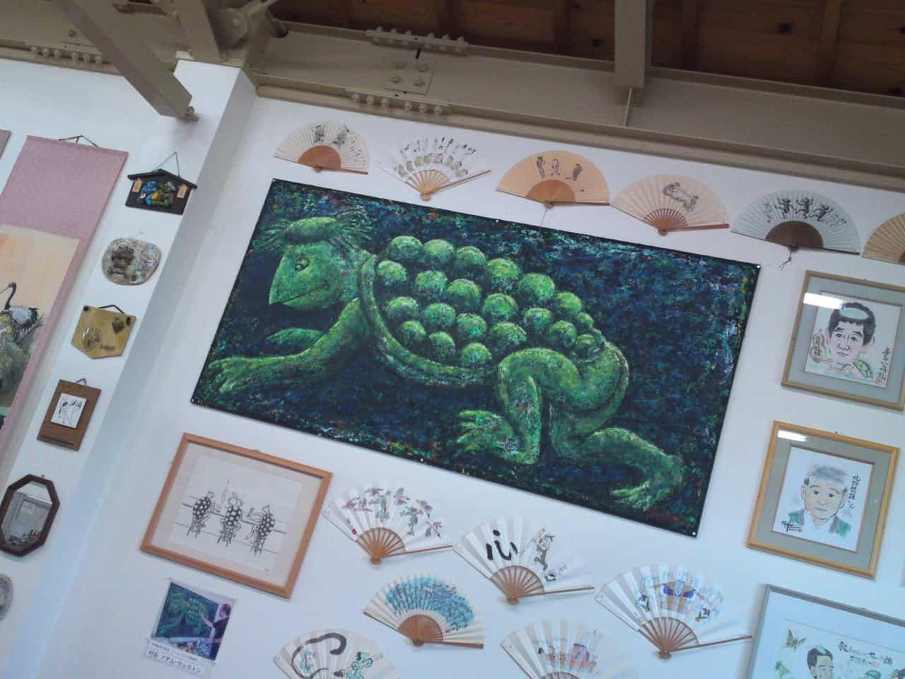 Collection de Kappa au Musée de Kappa de Tach-chan's dans la Ville de Yaizu peint par un artiste américain