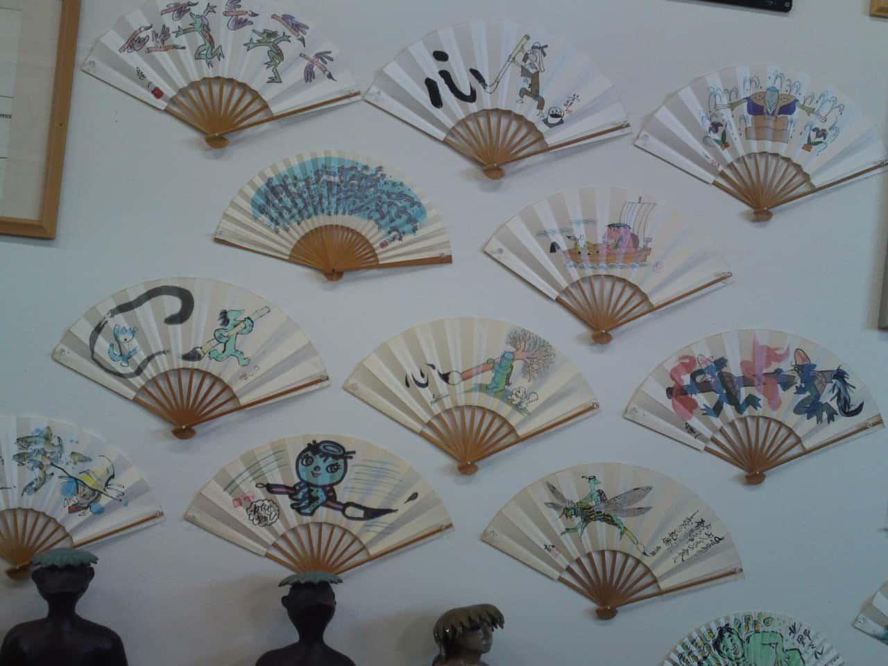 Collection de Kappa au Musée de Kappa de Tach-chan's dans la Ville de Yaizu sur des éventails