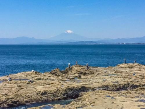La plage d'Enoshima tout près de Tokyo, Japon