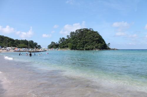 La plage Toriihama, tout près de la plage Wakasa Wada Beach au nord de Kyoto dans la préfécture de Fukui, au Japon.