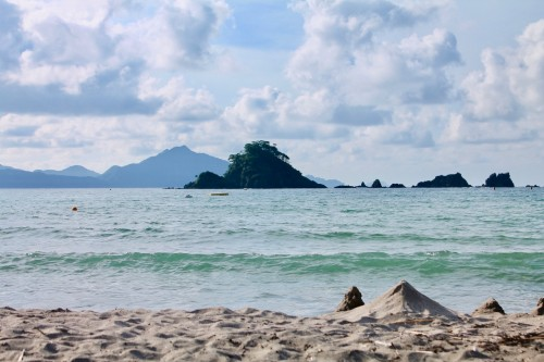 La plage Wakasa Wada au nord de Kyoto dans la préfécture de Fukui, au Japon.