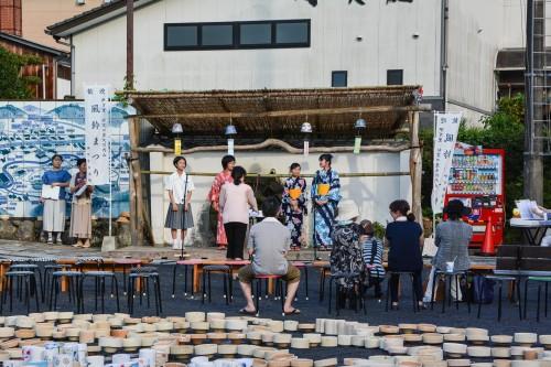 Le village de potiers d'Okawachiyama tout près d'Imari avec son festival et ces concerts