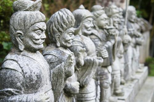 Statues de pierre, dans la péninsule de Kunisaki, Oita, Kyushu