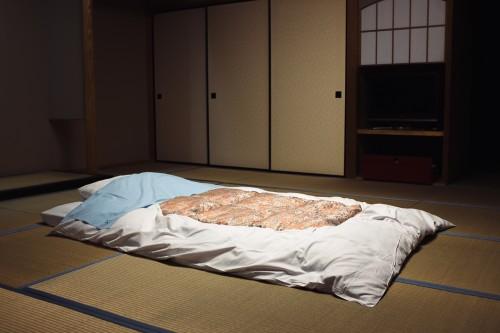 Passer la nuit dans un ryokan, une auberge traditionnelle Japonaise, Jyozankei onsen, Hokkaido, Japon.
