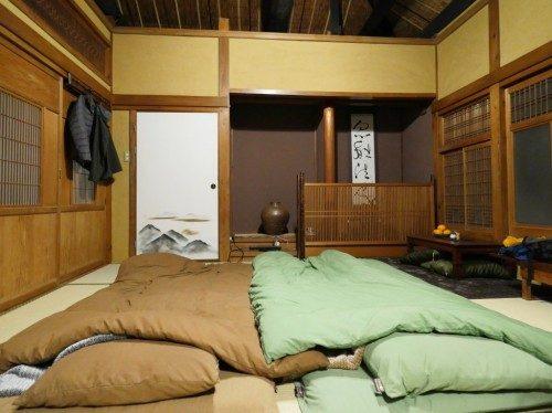Installation des futons.