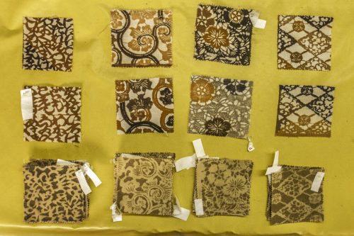 Échantillons de tissu teinté au thé de la ville de Murakami près de Niigata, Japon