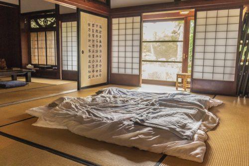 Une des chambres de l'auberge Goushikan près de Murakami dans la préfecture de Niigata, Japon