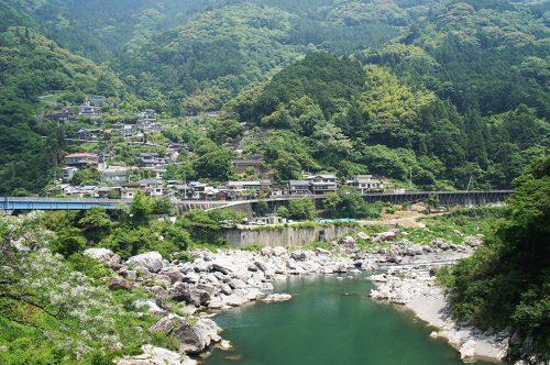 La rivière Niyodogawa dans la préfecture de Kochi, Japon