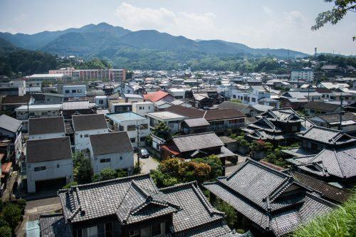 Vue sur les toits d'Usuki, préfecture d'Oita, Japon