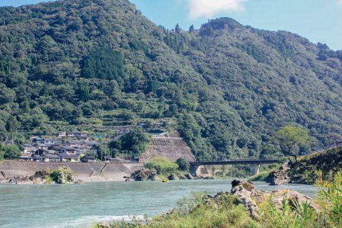 Paysages aux abord du fleuve Kuma, dans la préfecture de Kumamoto, Kyushu, Japon