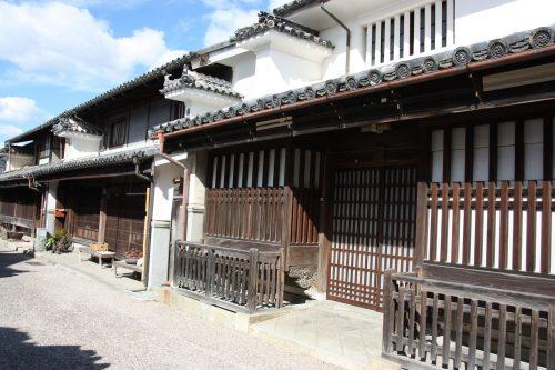 L'architecture singulière du quartier historique d'Udatsu, Mima, Tokushima, Shikoku, Japon