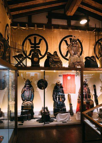 Collection d'armes et d'armures dans la demeure de la famille Aoyagi à Kakunodate, Senboku, Akita, Japon