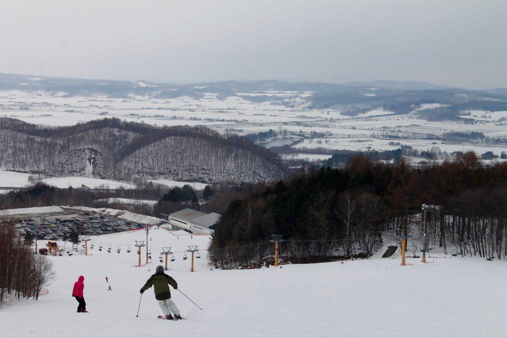 Skier au Kamui Ski Links et découvrir la poudreuse d'Hokkaido