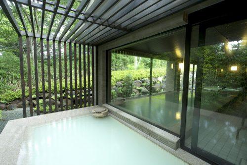 Onsen de l'hôtel Odakyu highland à Hakone, Kanagawa, Japon