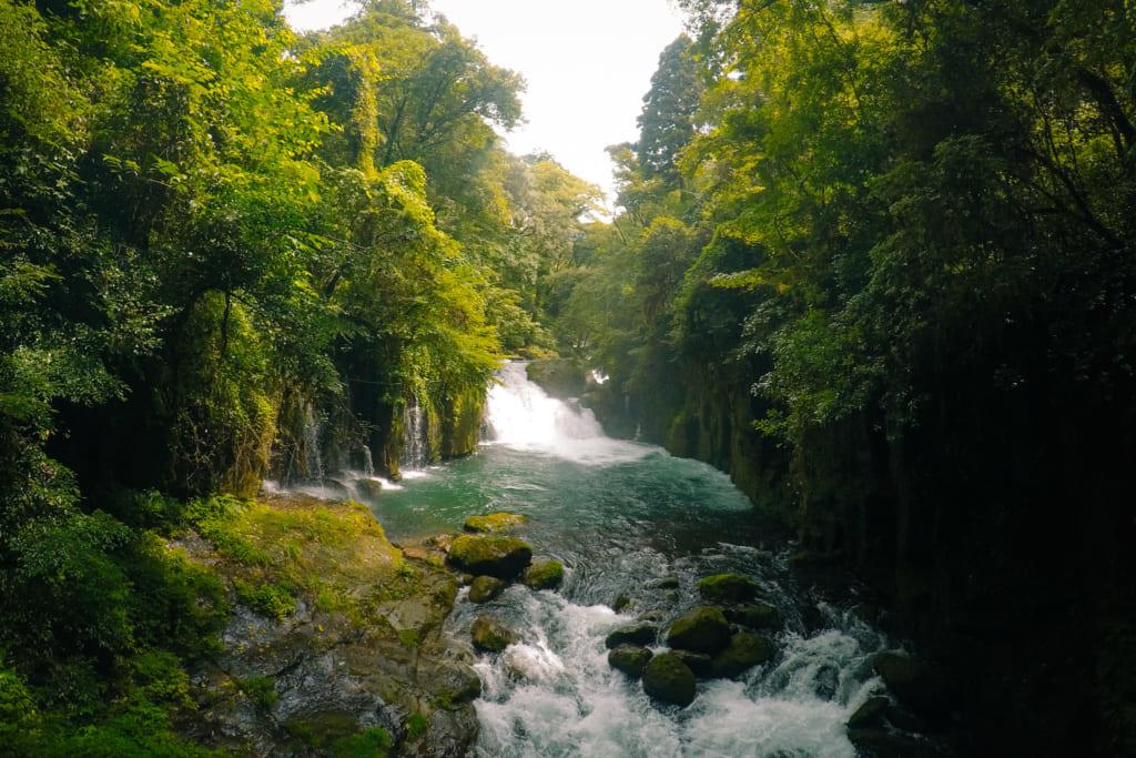 Deux cascades qui se suivent dans les gorges de kikuchi
