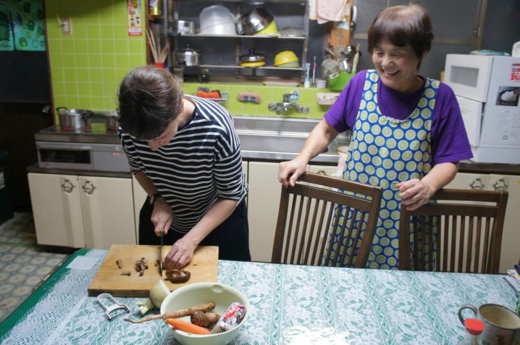 Clémentine en cuisine avec Mme Yonemura