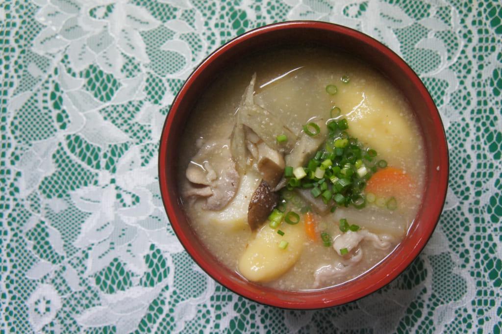 Soupe miso aux ohimesan dango, spécialitée de Kikuchi