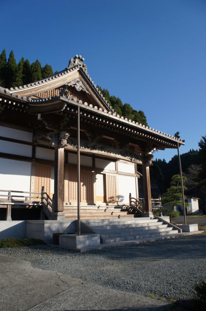 Le temple Zenriyuji à Kikuchi, récemment rénové