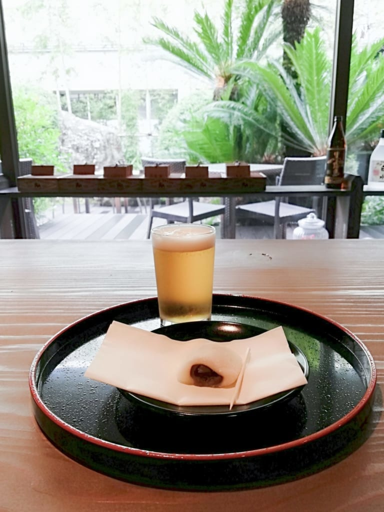 Collation de bienvenue au ryokan Kafutei, dans la préfecture de Kumamoto