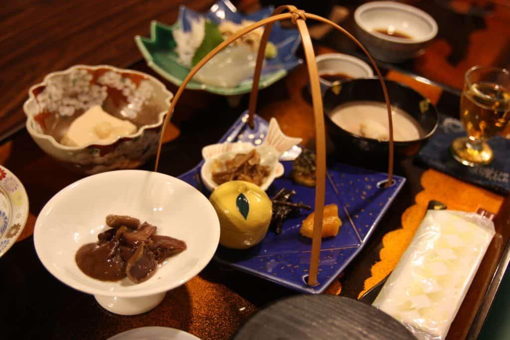 Pasto vegetariano servito nello shukubo di un tempio sul Monte Daisen