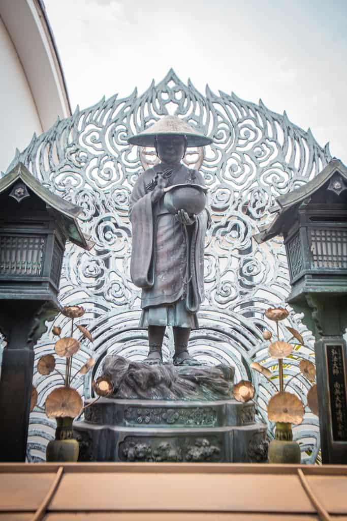 Statua nel tempio di Senkoji, Osaka
