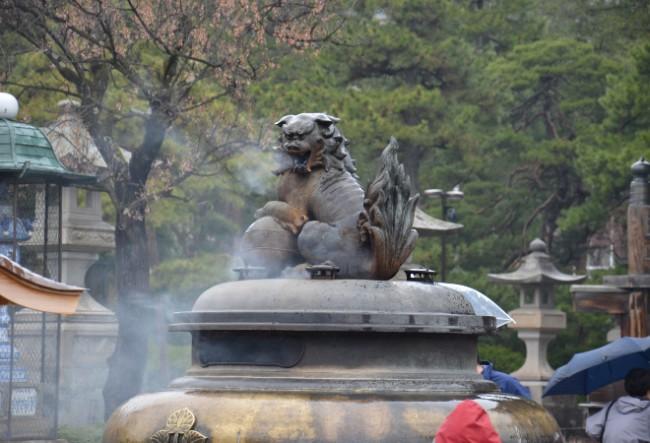 statue in Zenkoji Temple Nagano
