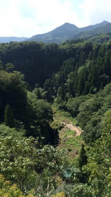 Miyazaki green cloaks Takachiho gorge